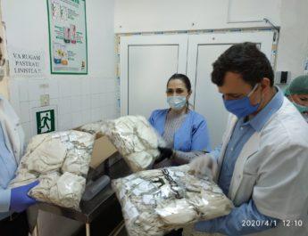 Rotarienii ploieșteni au donat Spitalului Județean 1000 de măști de protecție